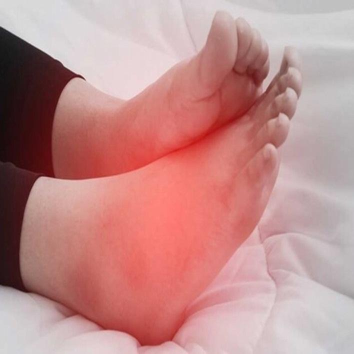 ayaklarda-su-toplanmasi-nedenleri-nelerdir